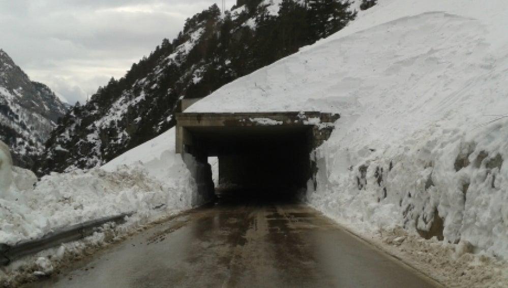 Carretera A-2606, de acceso al Balneario de Panticosa (Huesca)