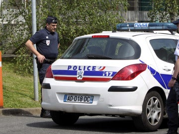 Agentes de policía francesa