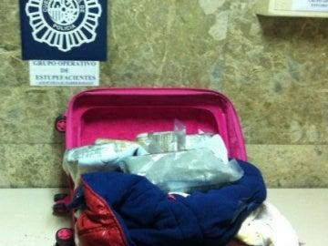 La maleta infantil que portaba cocaína