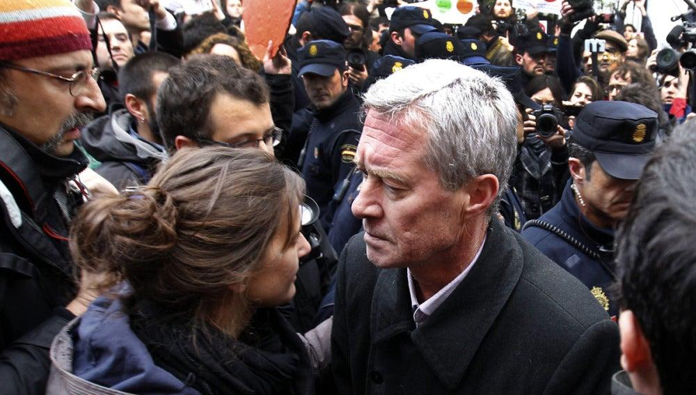 Jorge Verstrynge en el escrache a Soraya Sáenz de Santamaría