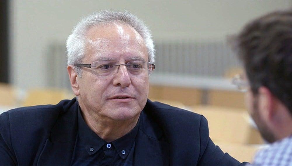 Joan J. Queralt, catedrático de derecho penal de la UB
