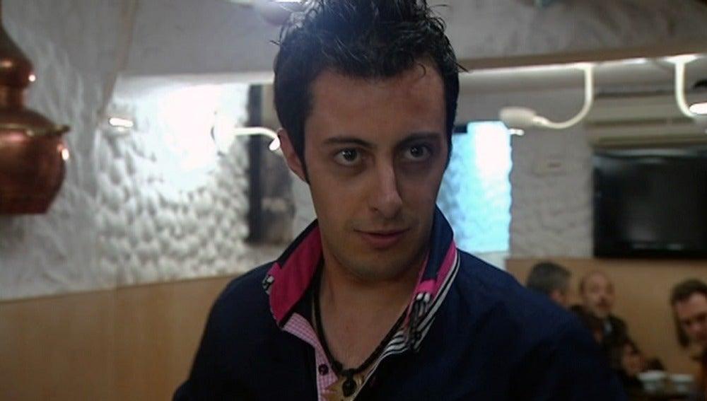 Héctor, contento con la nueva 'La Zapatería'
