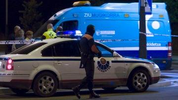 Agentes de la Ertzaintza en un suceso.