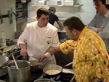 Chicote se cabrea con la forma de cocinar de Giuliano