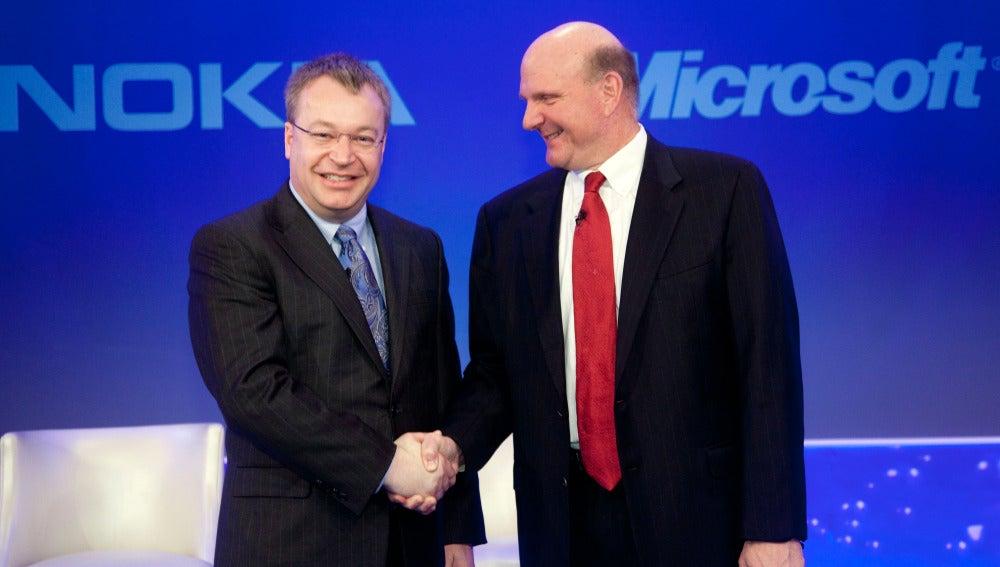 Stephen Elop y Steve Ballmer, en otros tiempos no tan lejanos