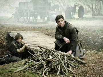 Arya confiesa un secreto a Gendry