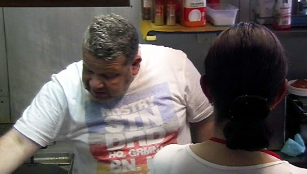 Chicote abronca a la cocinera de El Chiringuito