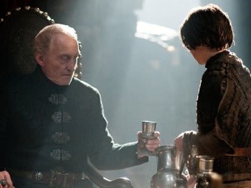 Tywin Lannister y Arya Stark