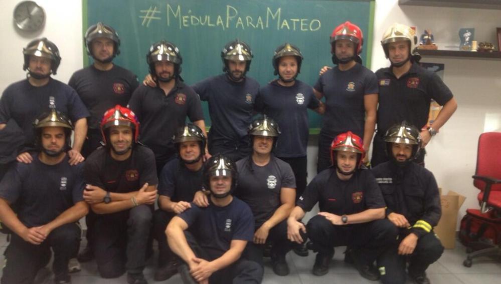 Los bomberos de Alcorcón se solidarizan con el bebé con leucemia