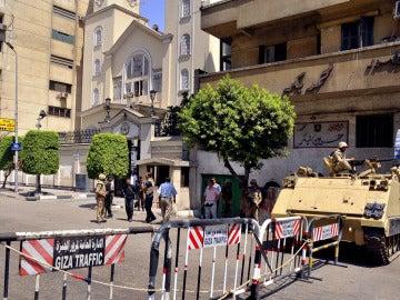 Medidas de seguridad en una manifestación convocada por los Hermanos Musulmanes.