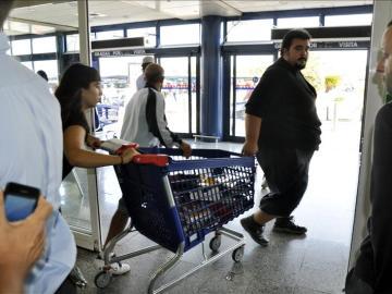El SAT se lleva productos de un supermercado