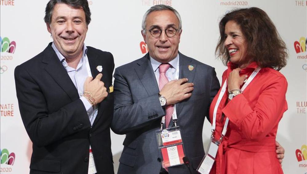 Ignacio González, Alejandro Blanco y Ana Botella, en Buenos Aires
