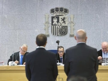 Enrique Pamiés y José María Ballesteros ante el juez.
