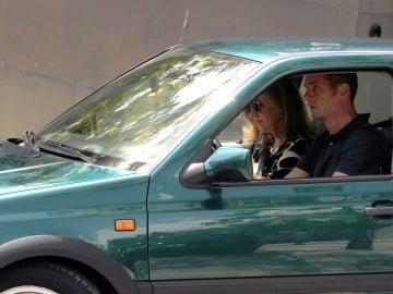 Los Duques de Palma, la infanta Cristina y su esposo Iñaki Urdangarin, salen de su casa de Pedralbes en Barcelona.