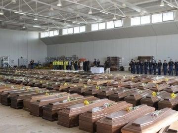 Los féretros de la tragedia en Lampedusa