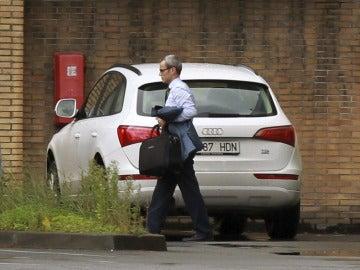 Sergio Treviño a su llegada a la planta de Edesa de Basauri para informar a la plantilla de la situación actual.