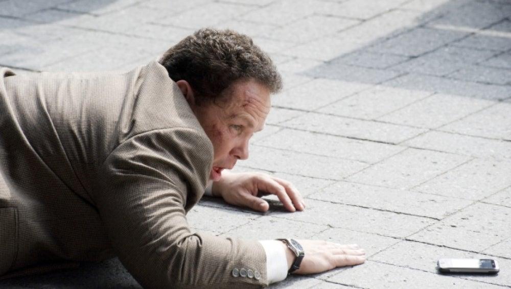 El detective Fusco, por los suelos