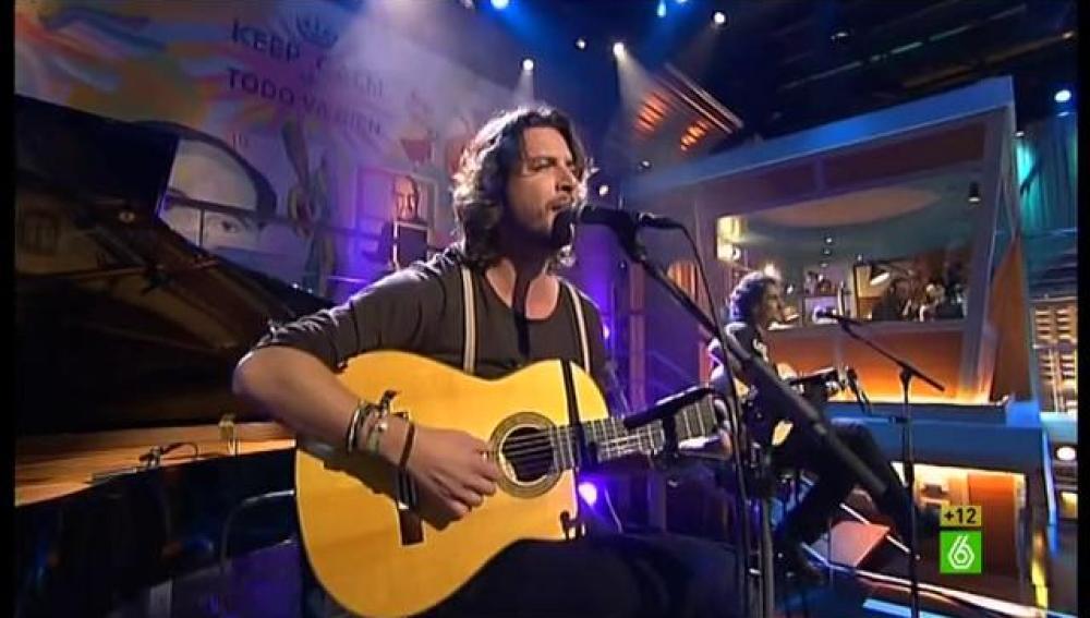 Manuel Carrasco canta en directo en 'En el aire'