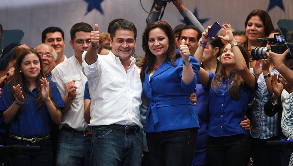 """El Tribunal Electoral de Honduras considera """"irreversible"""" la victoria de Hernández"""