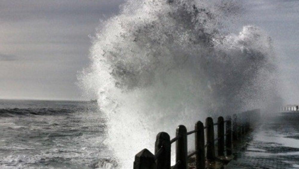Una ola en Ciudad del Cabo