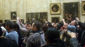 'Horror vacui' turístico en el Museo del Louvre