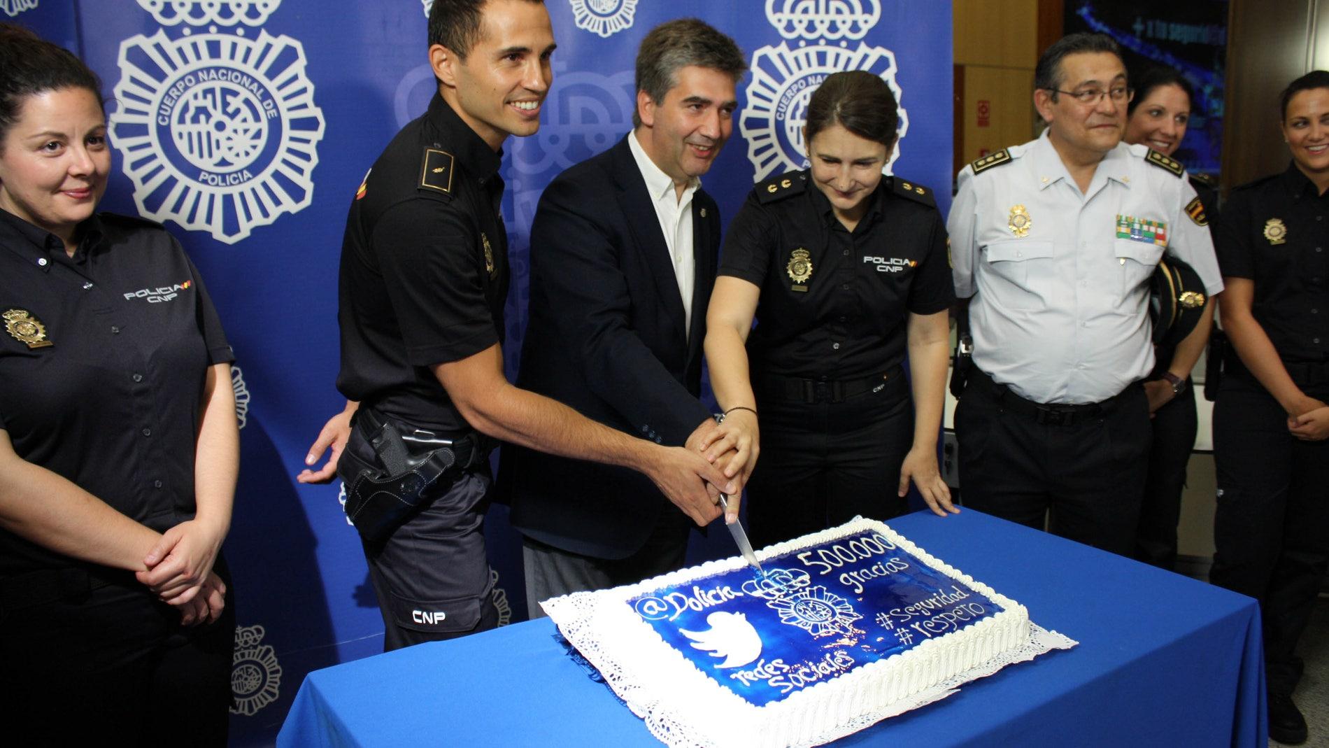 La Policía, celebrando sus buenas cifras en Twitter