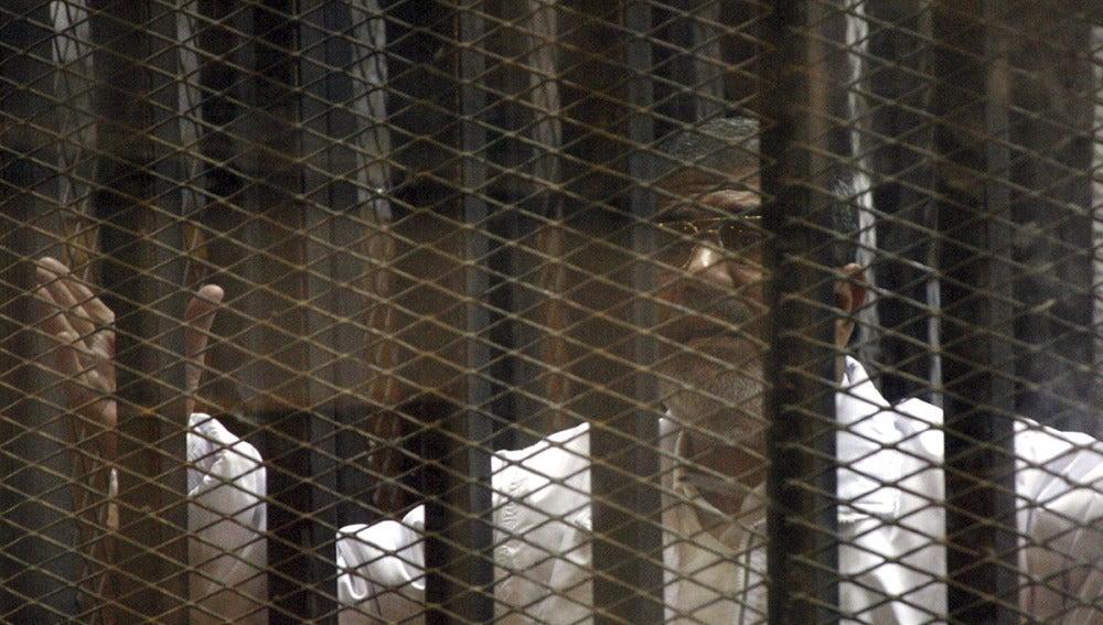 Condenan a pena de muerte a 528 partidarios de Mursi