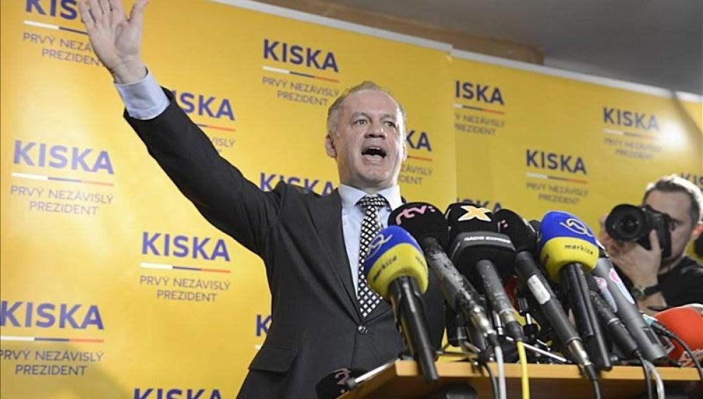 El millonario sin afiliación política Andrej Kiska.