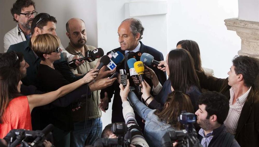 Francisco Camps ante los medios de comunicación