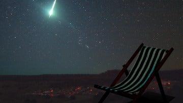 Tumbona y cielo despejado, una buena combinación para disfrutar de una buena lluvia de estrellas