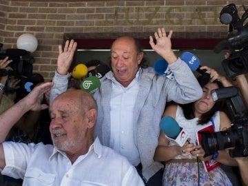 Francis Montesinos, saliendo del juzgado de Lliria