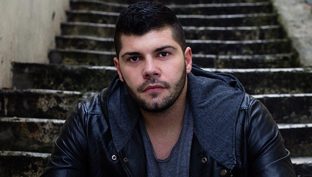 Salvatore Esposito es Genny Savastano