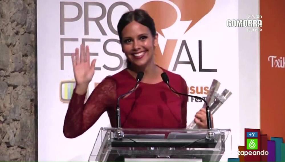 Cristina Pedroche recoge el premio en el FesTVal de Vitoria