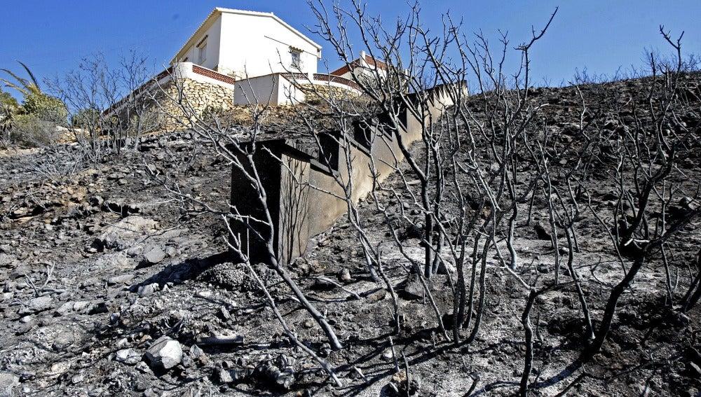 Viviendas afectadas por el incendio forestal de Xabia y Dénia