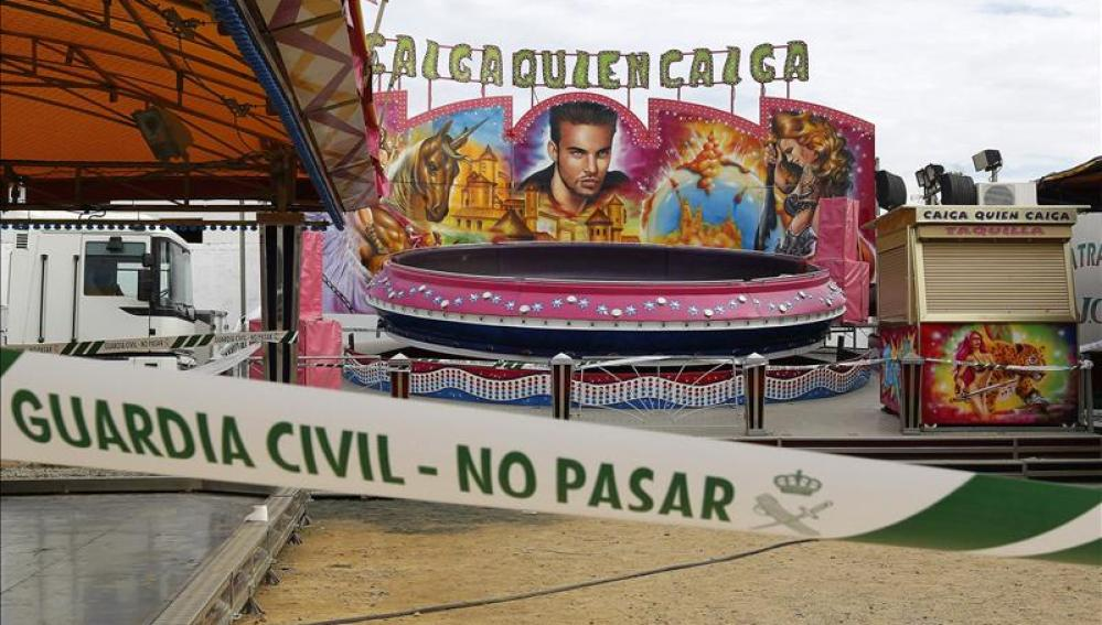 La atracción 'Caiga quien Caiga' en la Feria de Sevilla
