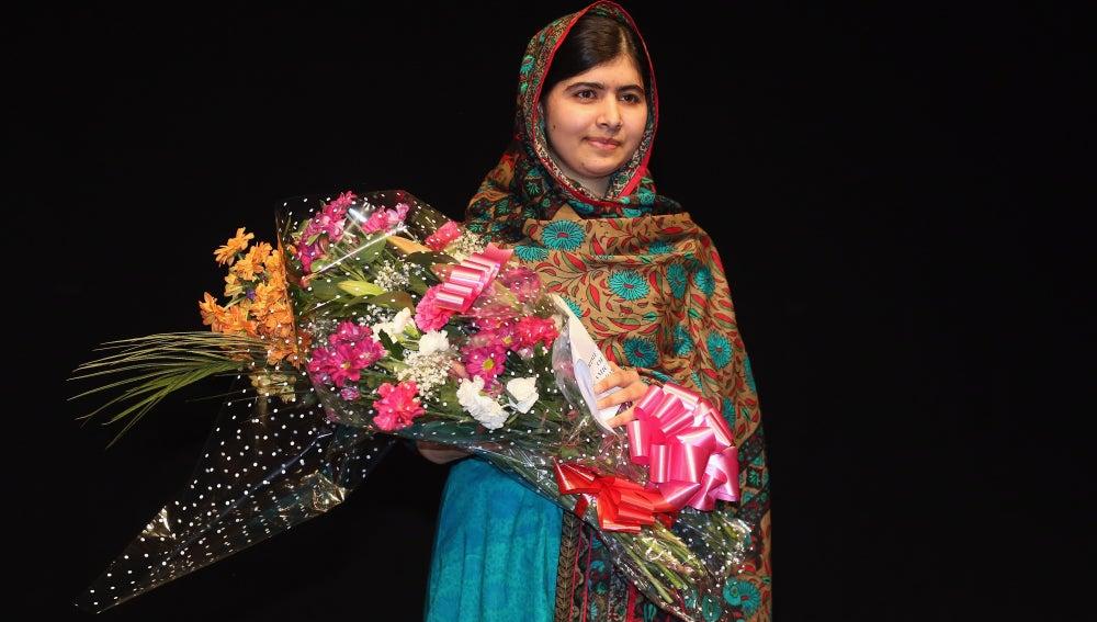 Malala Yousafzai, en la rueda de prensa en Birmingham para agradecer el Nobel