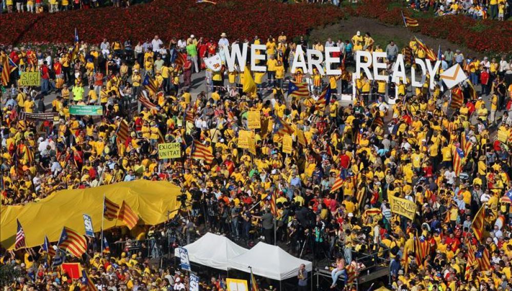 Miles de personas volvieron a manifestarse en la plaza de Cataluña de Barcelona