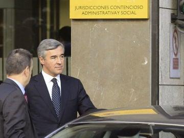 Ángel Acebes abandona la Audiencia Nacional