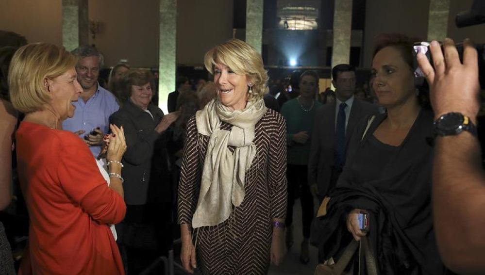 Esperanza Aguirre antes de pronunciar su discurso