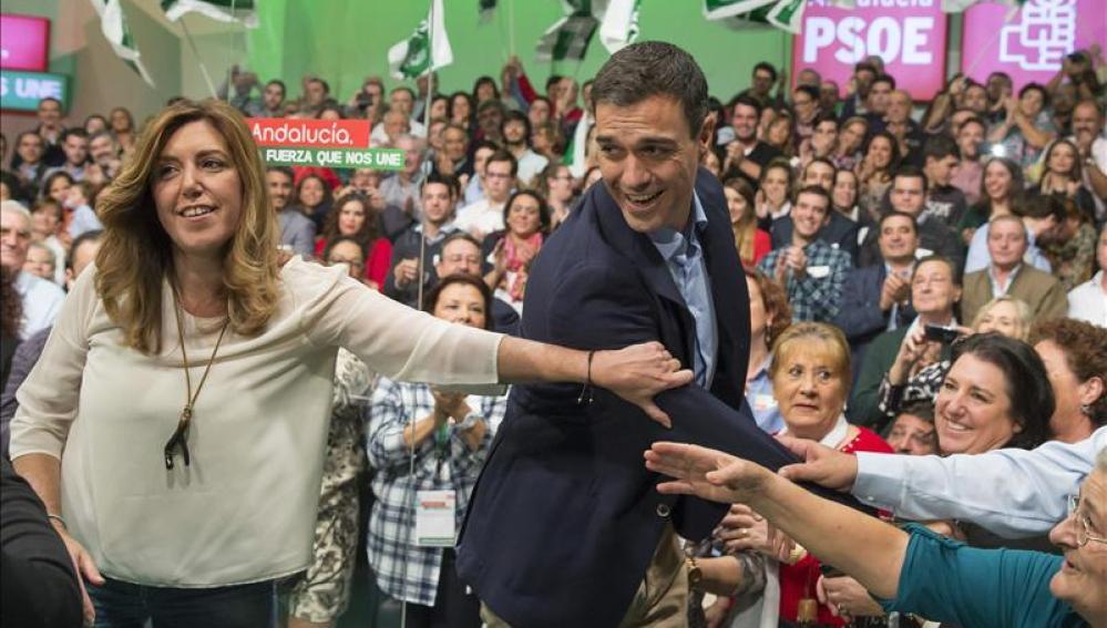 El secretario general del PSOE, Pedro Sánchez y la presidenta de la Junta de Andalucía, Susana Díaz