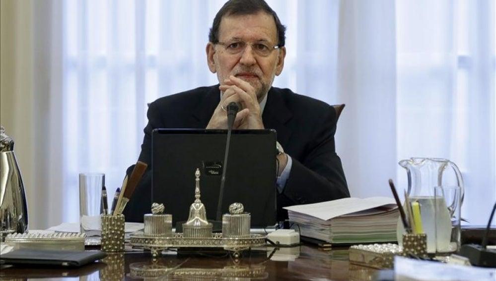 El jefe del Ejecutivo, Mariano Rajoy, en el Palacio de la Moncloa