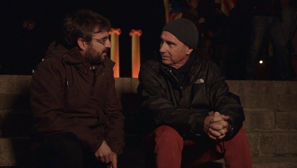Jordi Évole con el cantautor Lluis Llach