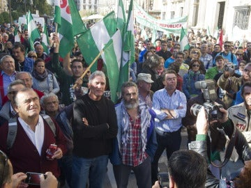 El diputado andaluz de IU Juan Manuel Sánchez Gordillo y el portavoz del SAT, Diego Cañamero