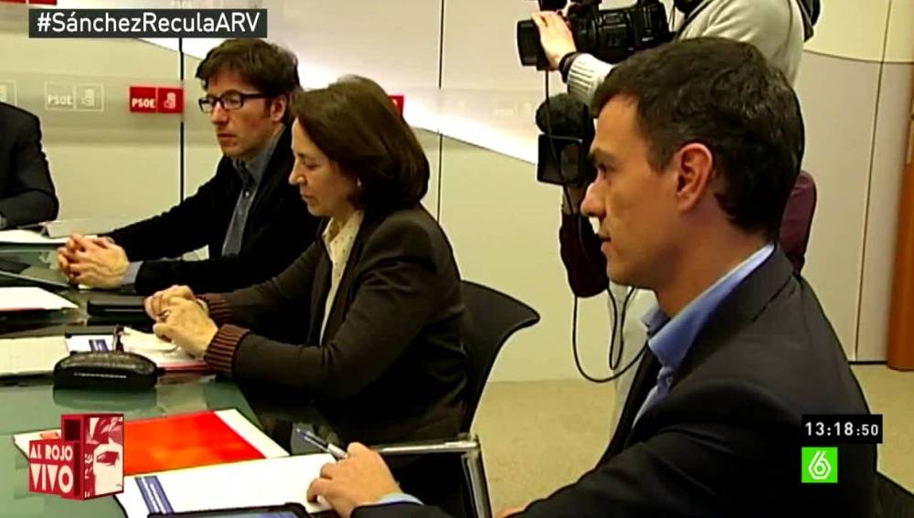 Pedro Sánchez en una reunión del PSOE
