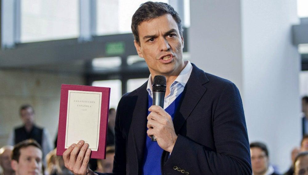 Pedro Sánchez, en una asamblea en Logroño