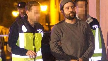 El acusado del ataque a sede de PP llega a Teruel para el registro de su casa
