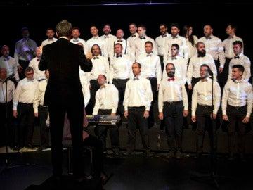 Un invitado sorpresa dirige el Coro de Hombres Gays de Madrid