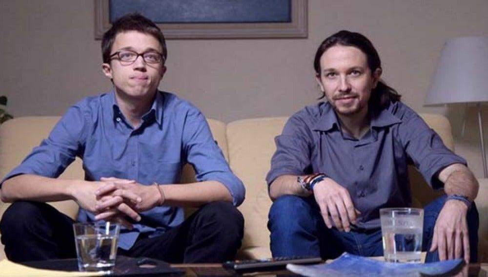 Pablo Iglesias e Íñigo Errejón, viendo el avance de 'Salvados'