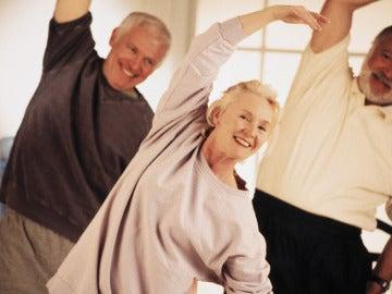 El ejercicio físico puede mejorar un 35% la fatiga en las personas con cáncer