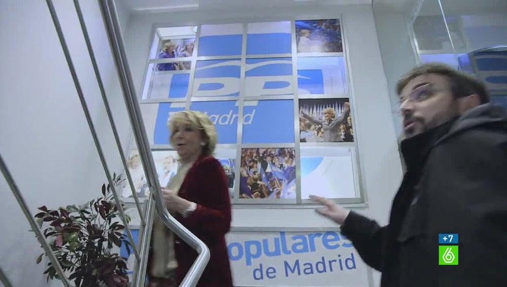 Aguirre y Évole en la sede regional del PP